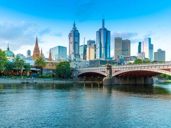 Cidade de Melbourne vista do rio de Yarra